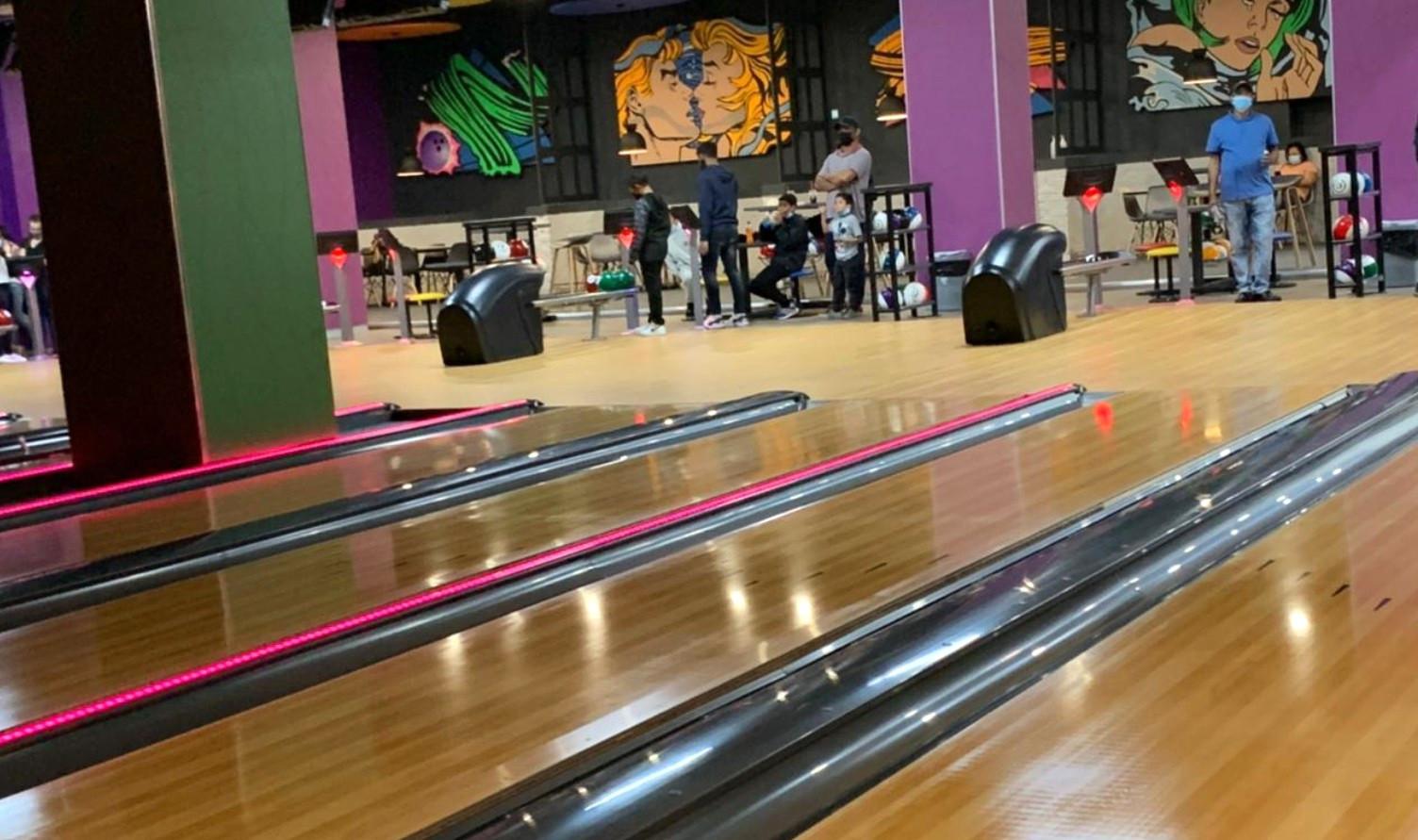 stadium-kidz-bowling-party-booking